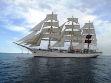 2010-05-18-Historic-Seas-start-Black-008-doc-224x168