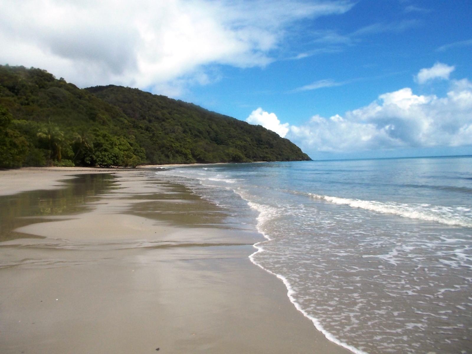 DSCN0491-Cape-Trib-beach-2013-12-25-crop-600pxw-224x142